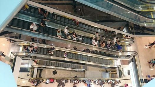 Curso de utilização de escadas rolantes